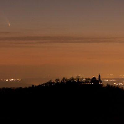 Komet Panstarrs, Burg, Mond und Sterne