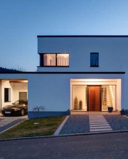 Modernes Passivhaus für eine Familie