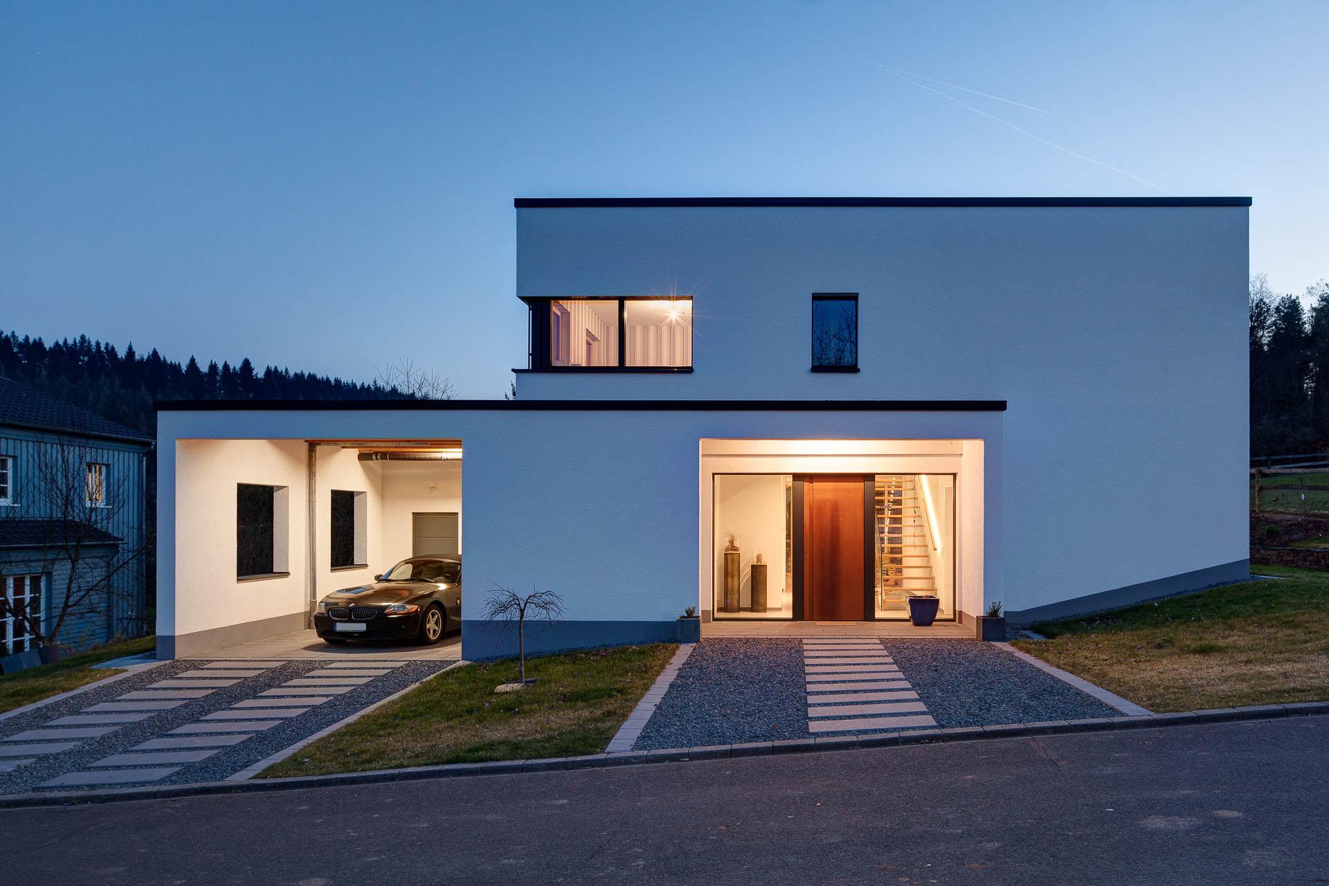 Einfamilienhaus Nachtaufnahme