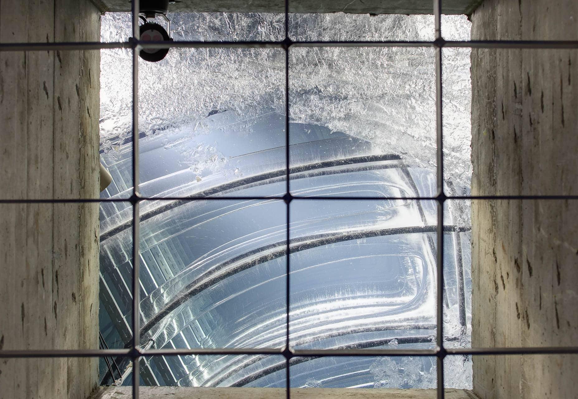 sehr guter Architekturfotograf Raum Stuttgart, stimmungsvolle Detailaufnahme Eisspeicher, innovative Energietechnik