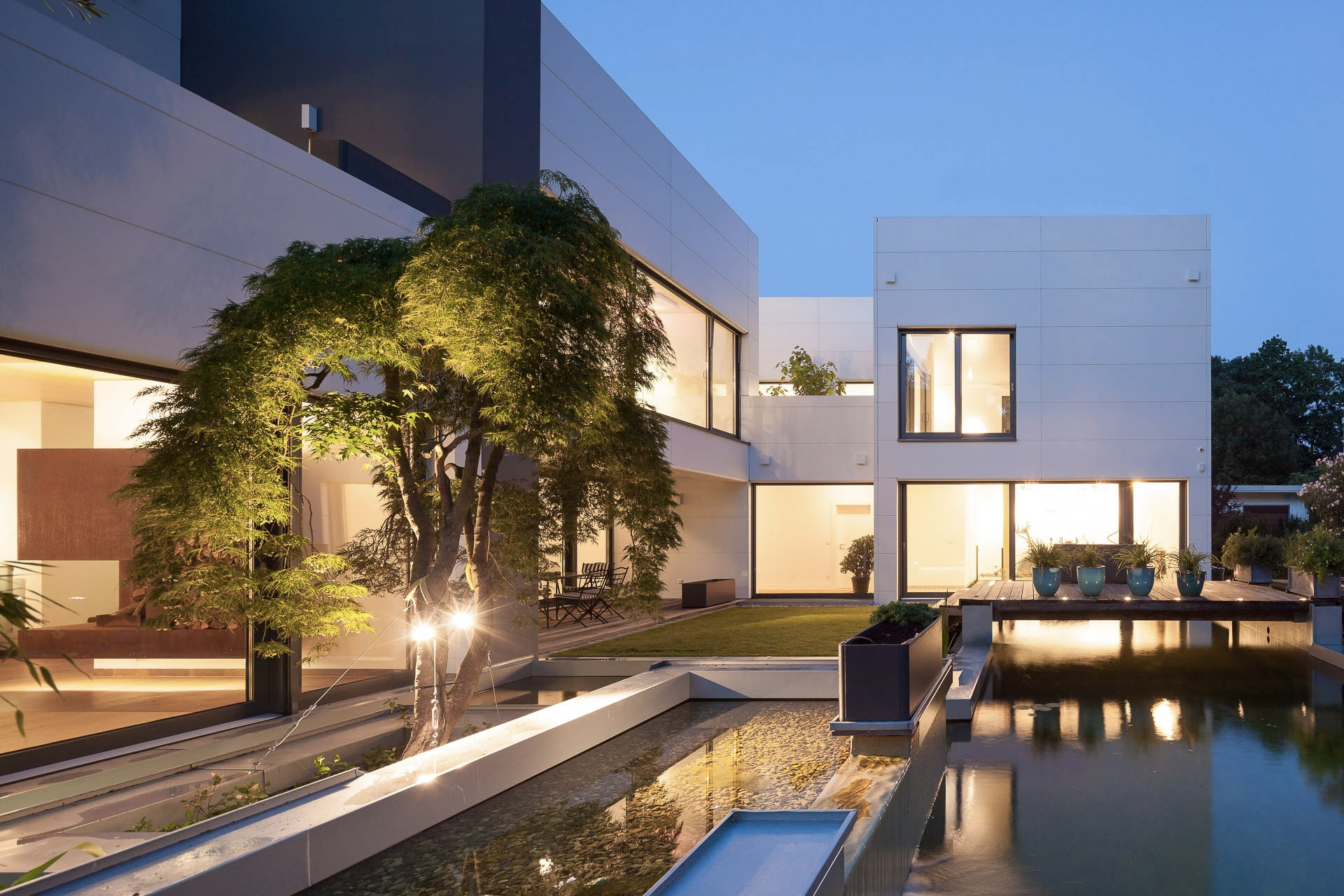 Villa w berlin dirk for Architektenhaus berlin