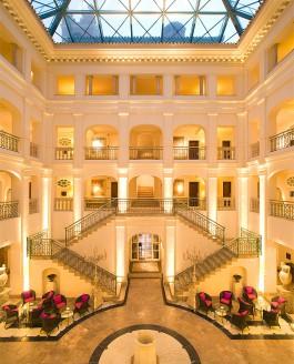 Buchveröffentlichung: Luxury Hotels – Golf Resorts