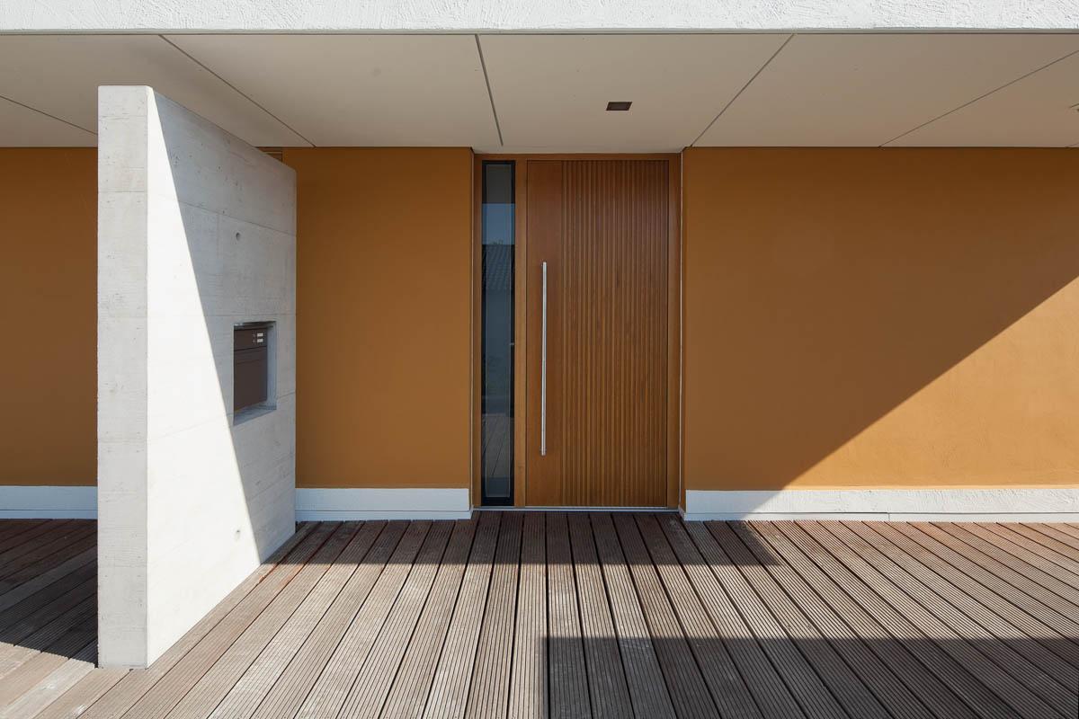 Architekturfotografie eines Einfamilienhauses mit integriertem Büro