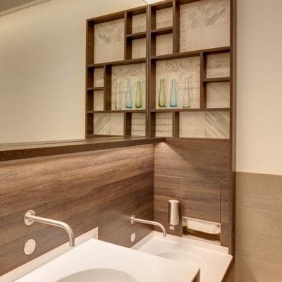 Bathroom Design: Innenraumfotografie Einkaufszentrum