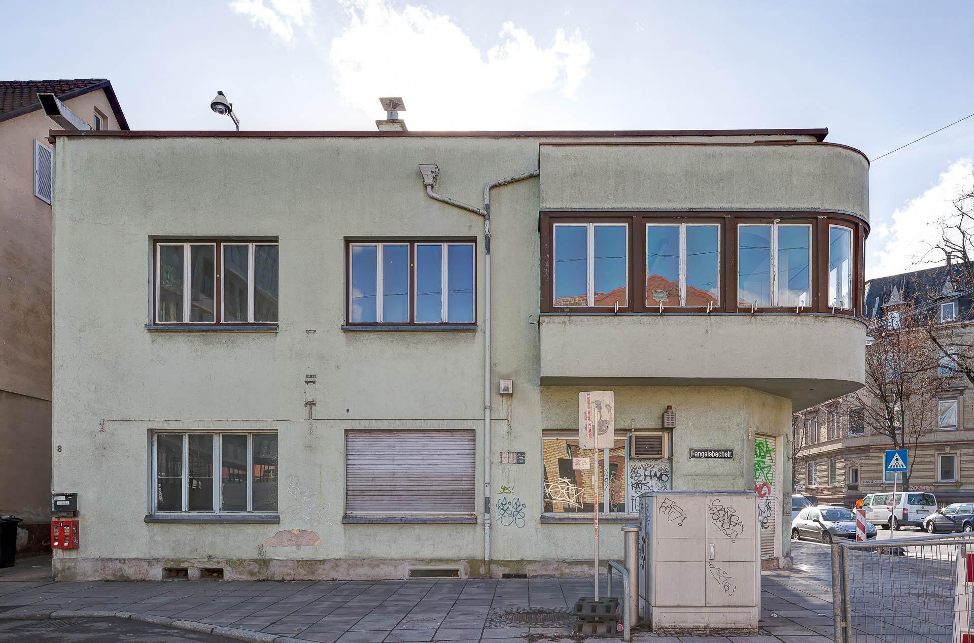 Architektur-Fotografie in Stuttgart. Gegenüber des Versicherungsneubaus: Fangelsbacheck