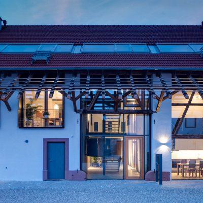 Hugo-Häring-Auszeichnung: Wohnen in Alter und Neuer Architektur. Architekturfotografie Bauherrengemeinschaft Gutshof Gässle 19, Efringen-
